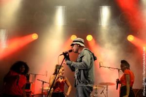 Trust (Festival au Pont du Rock 2018, le samedi)