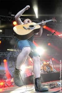 Steve'n'seagulls (Festival au Pont du Rock 2017)