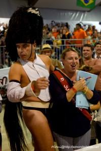 Le Crazy Horse Guard avec Anne Nicol (Championnat du Monde de Cheval à 2 Pattes 2019)